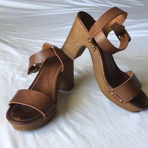 MIA leather sandals 👡